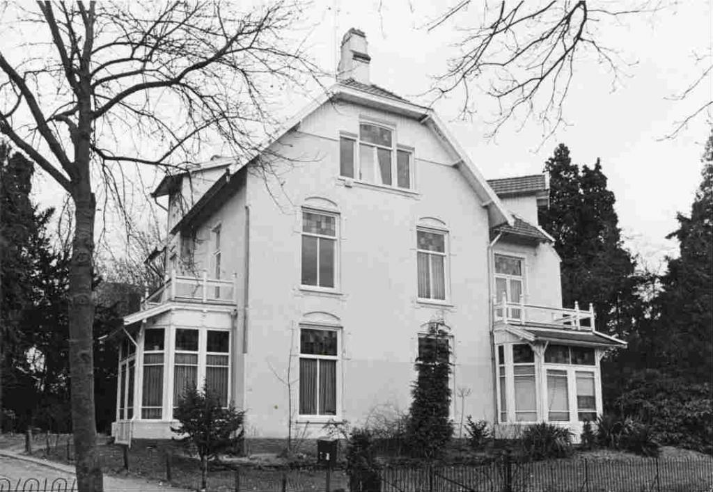 Burgemeester+Lambooylaan+nr+21+1982